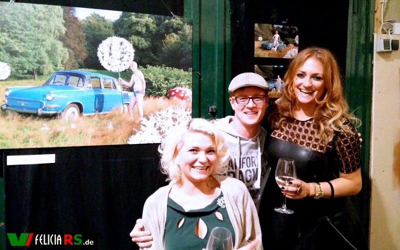 Janet Schürmeyer, ich und Paula Kopczynski bei der Vorstellung des Autowäsche-Kalender 2016