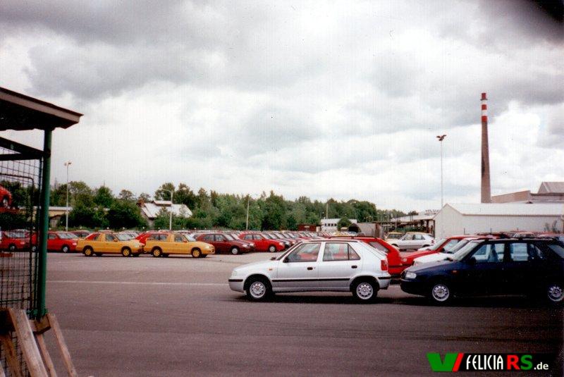 Bilder aus Vrchlabí 25.05.1998 Da könnte auch schon vielleicht mein Felicia FUN dabei gestanden haben?
